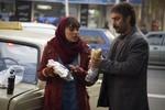 ترلان پروانه و محسن تنابنده در نمایی از فیلم «فراری»