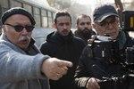 محمود کلاری و علیرضا داوودنژاد در پشت صحنه فیلم «فراری»