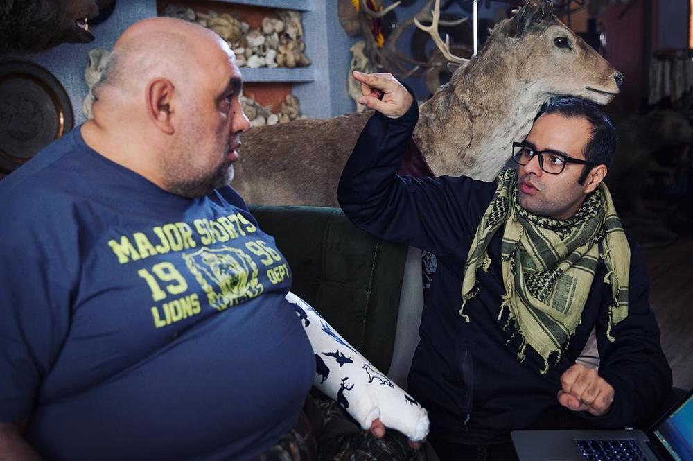 کاظم ملایی و لوون هفتوان در پشت صحنه فیلم «کوپال»