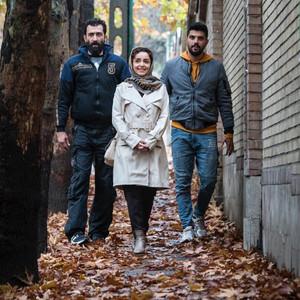 نازنین بیاتی، هادی حجازی فر و سینا مهراد در فیلم «ژن خوک»