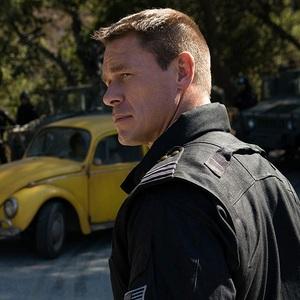 جان سینا در نمایی از فیلم سینمایی «بامبلبی» (Bumblebee)