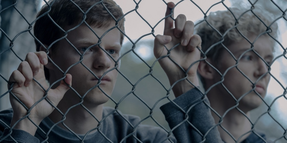 تروی سیوان و لوکاس هجز در فیلم سینمایی «پسر حذف شده» (Boy Erased)
