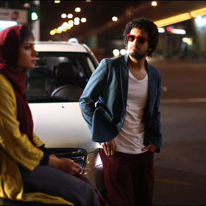 مهرداد صدیقیان و پگاه آهنگرانی در فیلم مادر قلب اتمی