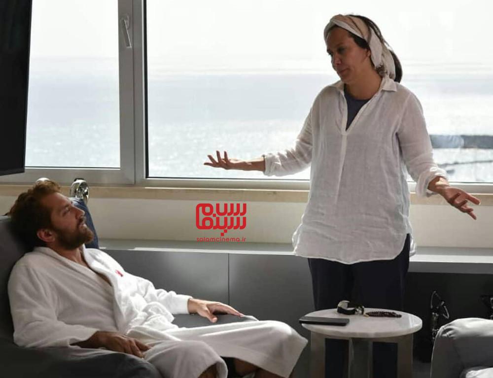 بهرام رادان و آزیتا موگویی در پشت صحنه فیلم «ایده اصلی»