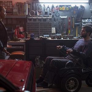 لوگان مارشال گرین و بتی گابریل در فیلم سینمایی «ارتقا» (Upgrade)