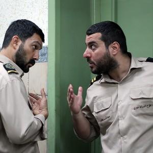 حامد بهداد و محسن کیایی در فیلم سینمایی «سد معبر»