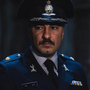 نوید محمدزاده در فیلم «سرخ پوست»
