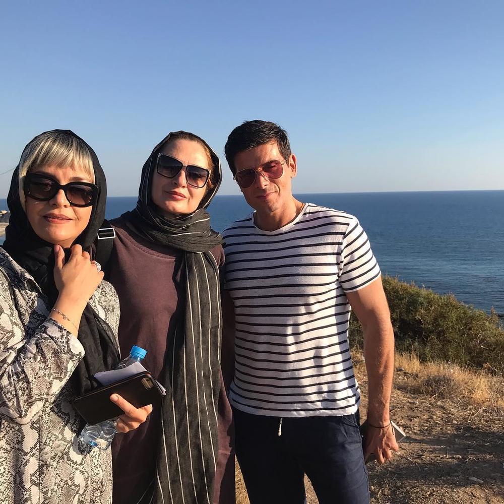 سودابه خسروی، مریلا زارعی و مانوس گاوراس در پشت صحنه فیلم «ایده اصلی»