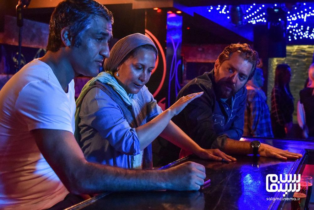 آزیتا موگویی، بهرام رادان و پژمان جمشیدی در پشت صحنه فیلم «ایده اصلی»