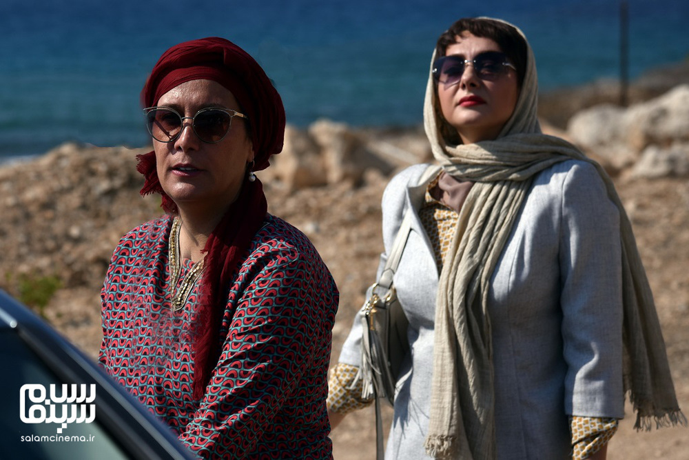 آزیتا موگویی و هانیه توسلی در پشت صحنه فیلم «ایده اصلی»