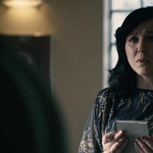 آلیس لو در نمایی از سریال «آینه سیاه: باندراسنج» (Black Mirror: Bandersnatch)
