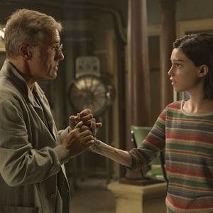 رزا سالازار و کریستوف والتز در فیلم سینمایی «آلیتا: فرشته جنگ» (Alita: Battle Angel)