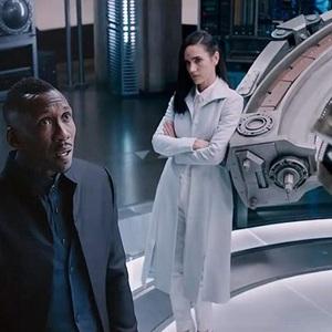 جنیفر کانلی و ماهرشالا علی در فیلم سینمایی «آلیتا: فرشته جنگ» (Alita: Battle Angel)