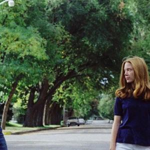 مارتین شین و سیسی اسپیسک در نمایی از فیلم جنایی «زمین های لم یزرع» (Badlands)