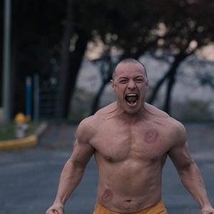 جیمز مک آووی در فیلم سینمایی «گلس» (Glass)
