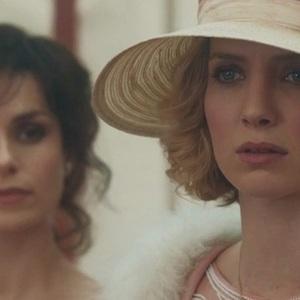 آنابل والیس و شارلوت ریلی در سریال «پیکی بلایندرز» (Peaky Blinders