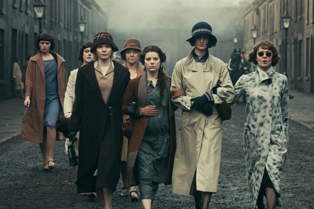 هلن مک کروری، سوفی رندل، ایمی فیون ادواردز و ناتاشا اوکیف در سریال «پیکی بلایندرز» (Peaky Blinders)