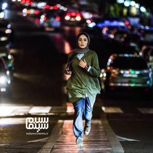 سها نیاستی در فیلم «سال دوم دانشکده من»