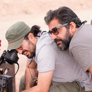 هومن بهمنش و نیما جاویدی در پشت صحنه فیلم «سرخ پوست»
