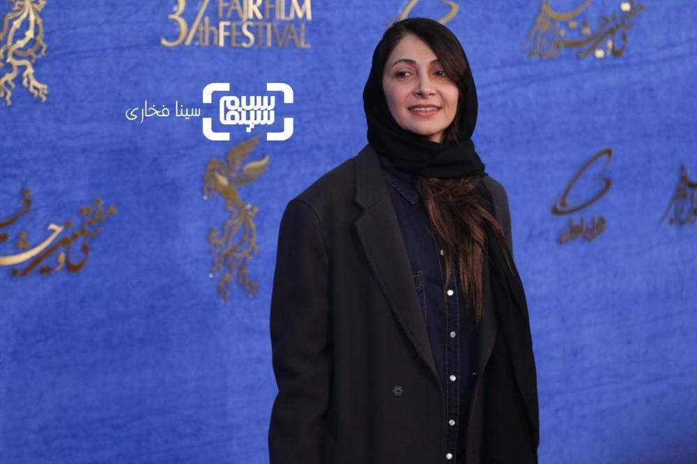 نیلوفر خوش خلق در اکران فیلم «سال دوم دانشکده من» در جشنواره فجر 37