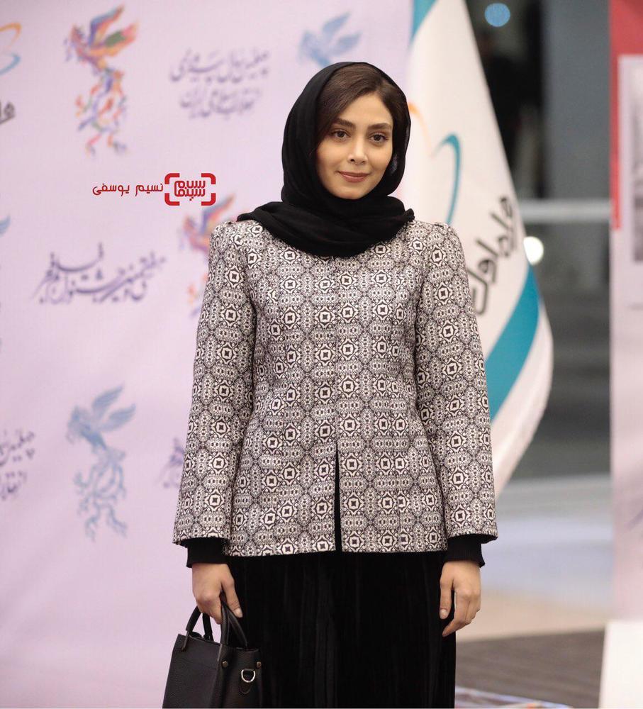 دیبا زاهدی در افتتاحیه جشنواره فجر 37