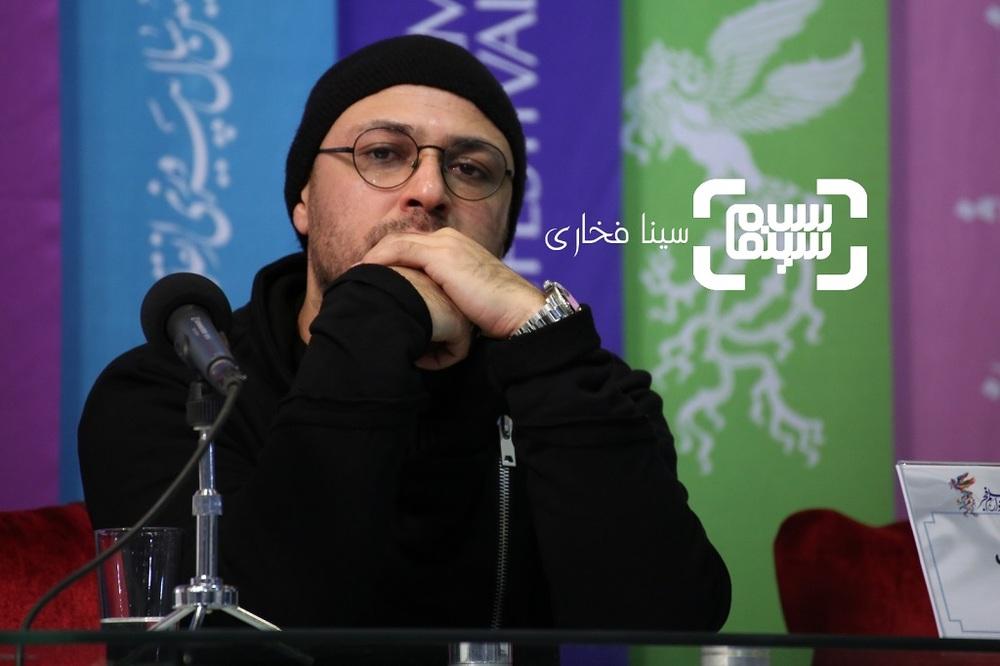 علیرضا کمالی در نشست خبری فیلم «معکوس» در سینمای رسانه جشنواره فجر 37