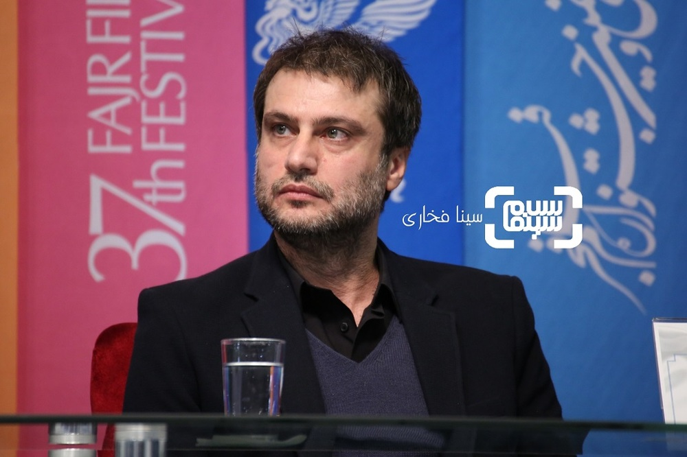 شهرام حقیقت دوست در نشست خبری فیلم «معکوس» در سینمای رسانه جشنواره فجر 37