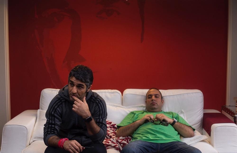 علی اوجی و پژمان جمشیدی در فیلم «خوب، بد، جلف»