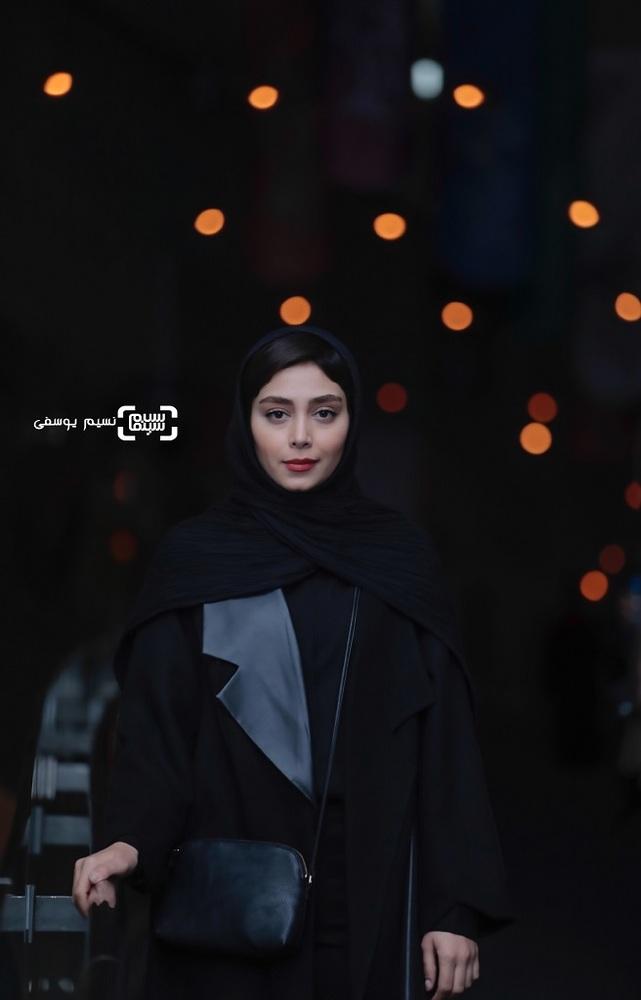 دیبا زاهدی در اکران فیلم «تیغ و ترمه» در جشنواره فجر 37