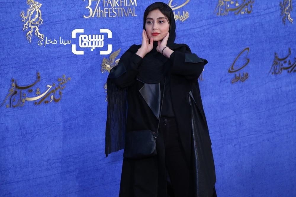 دیبا زاهدی در اکران فیلم «تیغ و ترمه» در جشنواره فیلم فجر 37