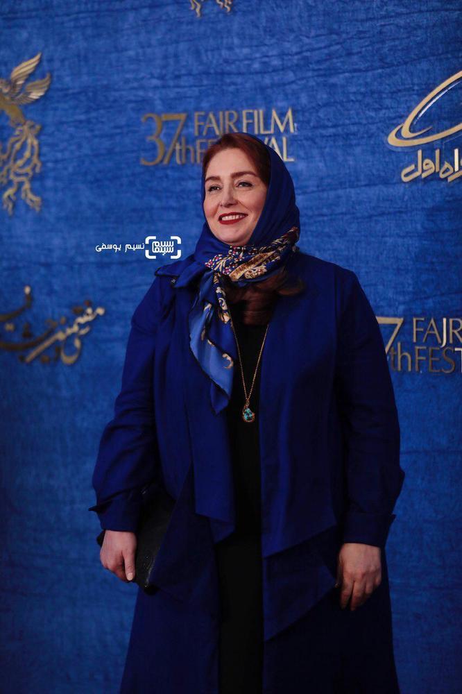 ژاله صامتی در اکران فیلم «درخونگاه» در جشنواره فجر 37