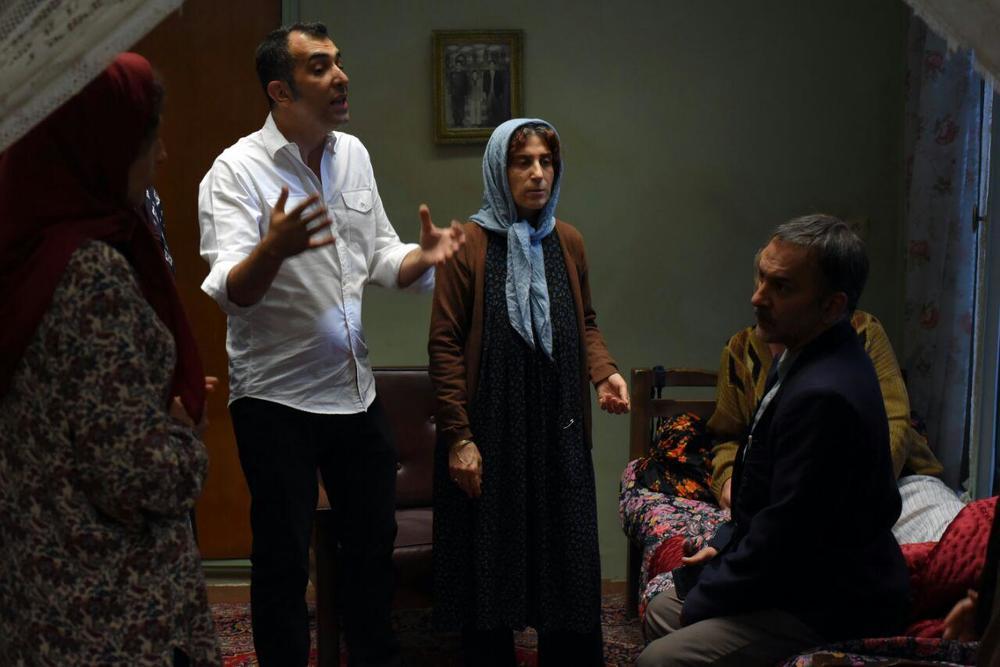 فاطمه معتمدآریا، هاتف علیمردانی و حمیدرضا آذرنگ در پشت صحنه فیلم «آباجان»