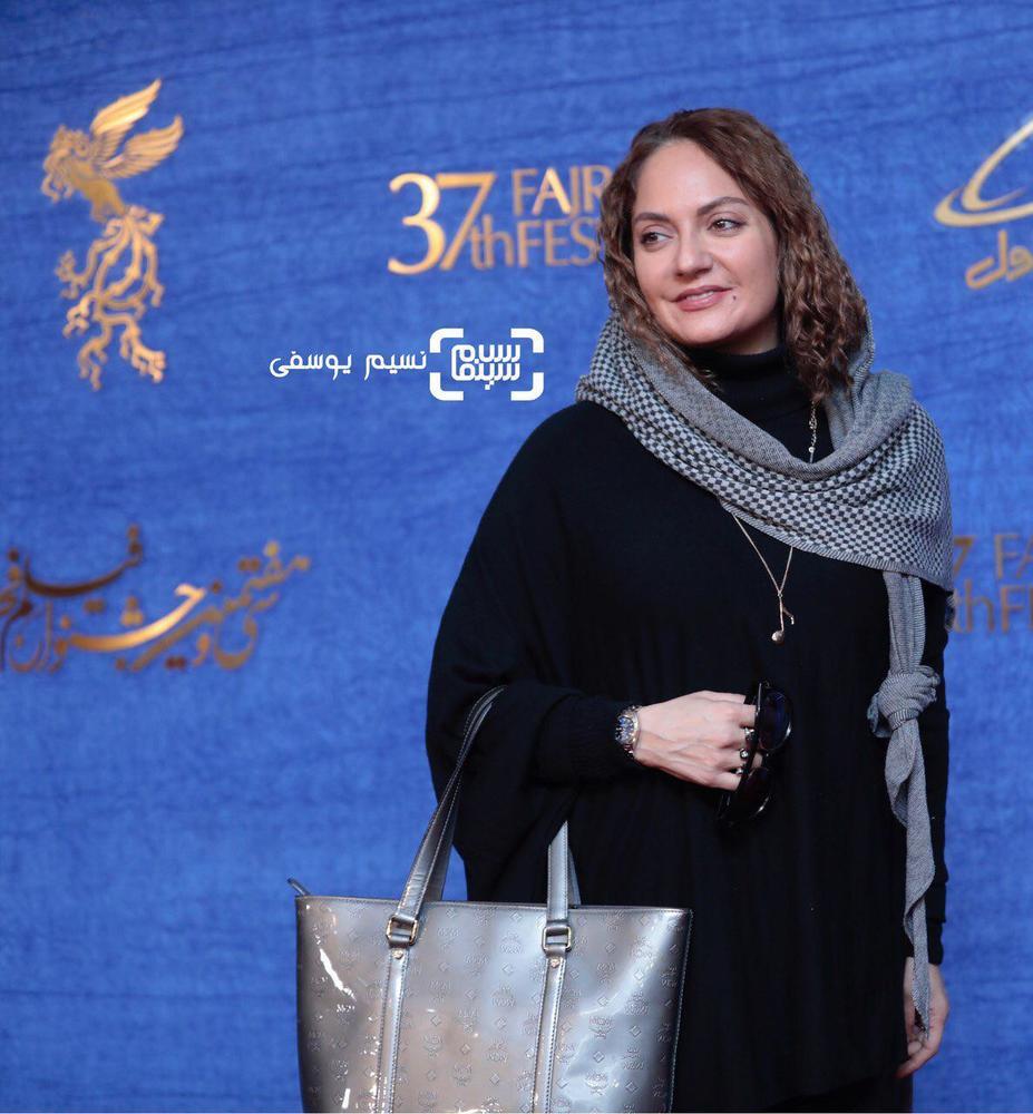 مهناز افشار در اکران فیلم «ناگهان درخت» در جشنواره فجر 37