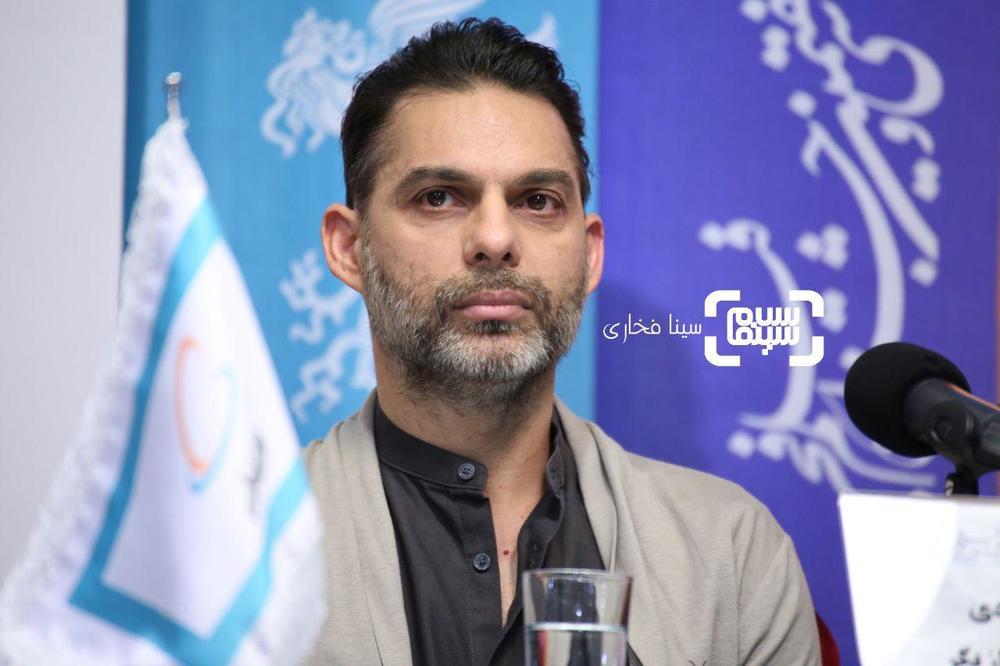 پیمان معادی در نشست خبری فیلم «ناگهان درخت» در جشنواره فجر 37