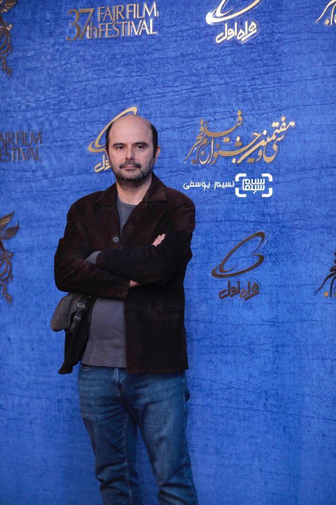 علی مصفا در اکران فیلم «مسخره باز» در جشنواره فجر 37