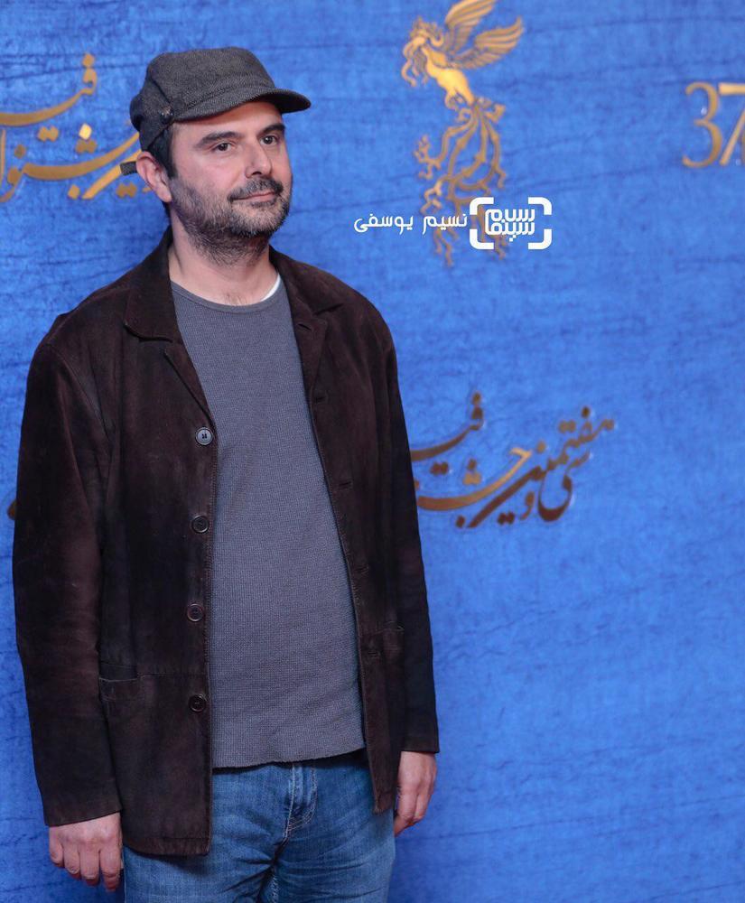علی مصفا در اکران فیلم «روزهای نارنجی» در جشنواره فیلم فجر 37