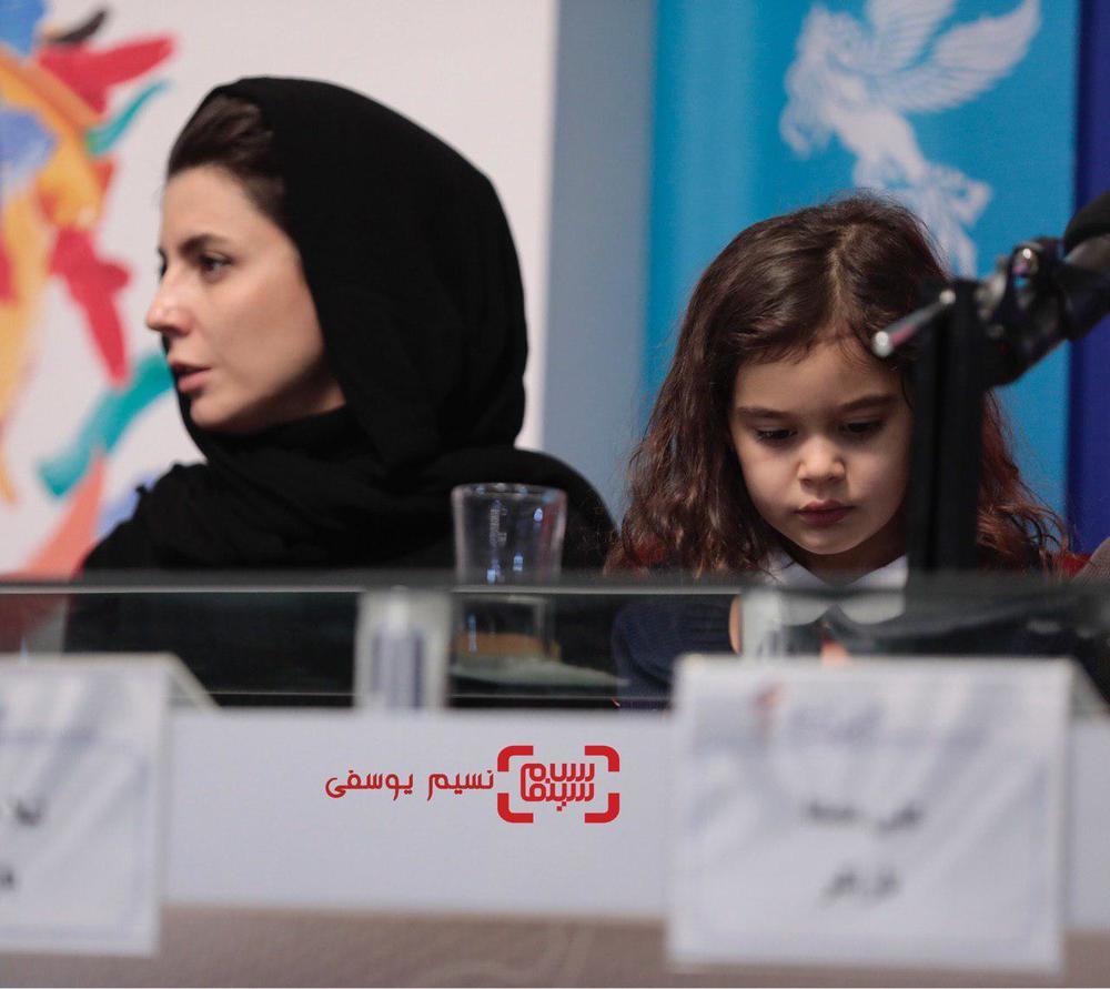 آویسا سجادی در نشست خبری فیلم «مردی بدون سایه» در جشنواره فجر 37