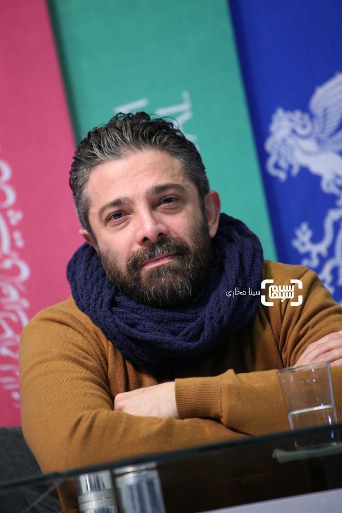 هومن کیایی در اکران فیلم «متری شیش و نیم» در جشنواره فجر 37
