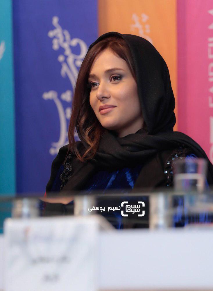 پریناز ایزدیار در نشست خبری فیلم «سرخ پوست» در جشنواره فجر 37