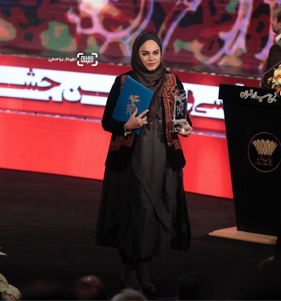 نرگس آبیار برنده سیمرغ بلورین بهترین کارگردانی برای «شبی که ماه کامل شد» در جشنواره فجر 37