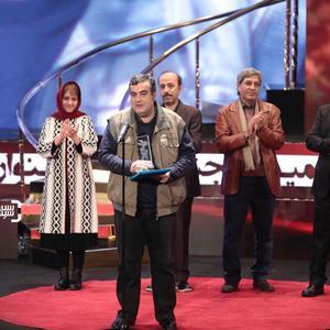 بابک بهداد برنده سیمرغ بلورین بهترین مستند برای «بهارستان خانه ملت» در جشنواره فجر 37