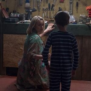 تیلور شیلینگ و جکسون رابرت اسکات در فیلم سینمایی «اعجوبه» (The Prodigy)