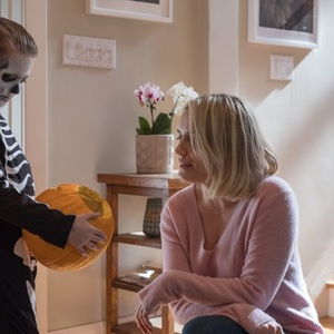 تیلور شیلینگ و جکسون رابرت اسکات در فیلم «اعجوبه» (The Prodigy)