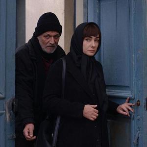 امین تارخ و هانیه توسلی در فیلم «بن بست وثوق»