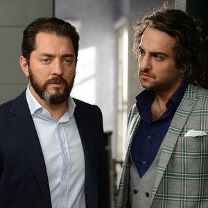 بهرام رادان و حامد کمیلی در قسمت اول سریال «رقص روی شیشه»