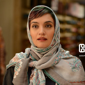 میترا حجار در قسمت اول سریال «رقص روی شیشه»