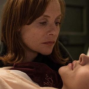 ایزابل هوپر و  کلویی گریس مورتز در فیلم سینمایی «گرتا» (Greta)