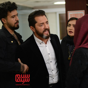 بهرام رادان، میترا حجار و مهرداد صدیقیان در قسمت سوم سریال «رقص روی شیشه»