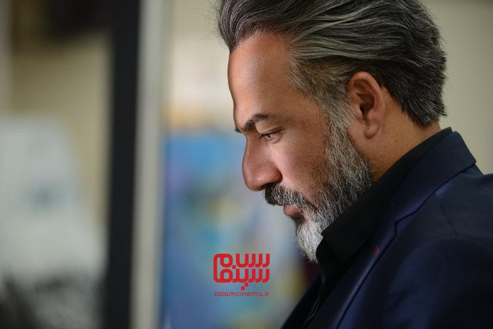 امیر آقایی در نمایی از قسمت 4 سریال «رقص روی شیشه»