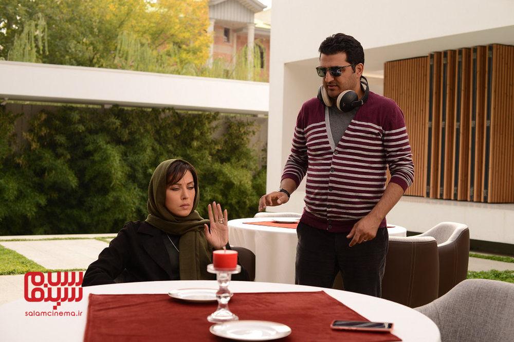 مهتاب کرامتی و مهدی گلستانه در پشت صحنه قسمت 4 سریال نمایش خانگی «رقص روی شیشه»